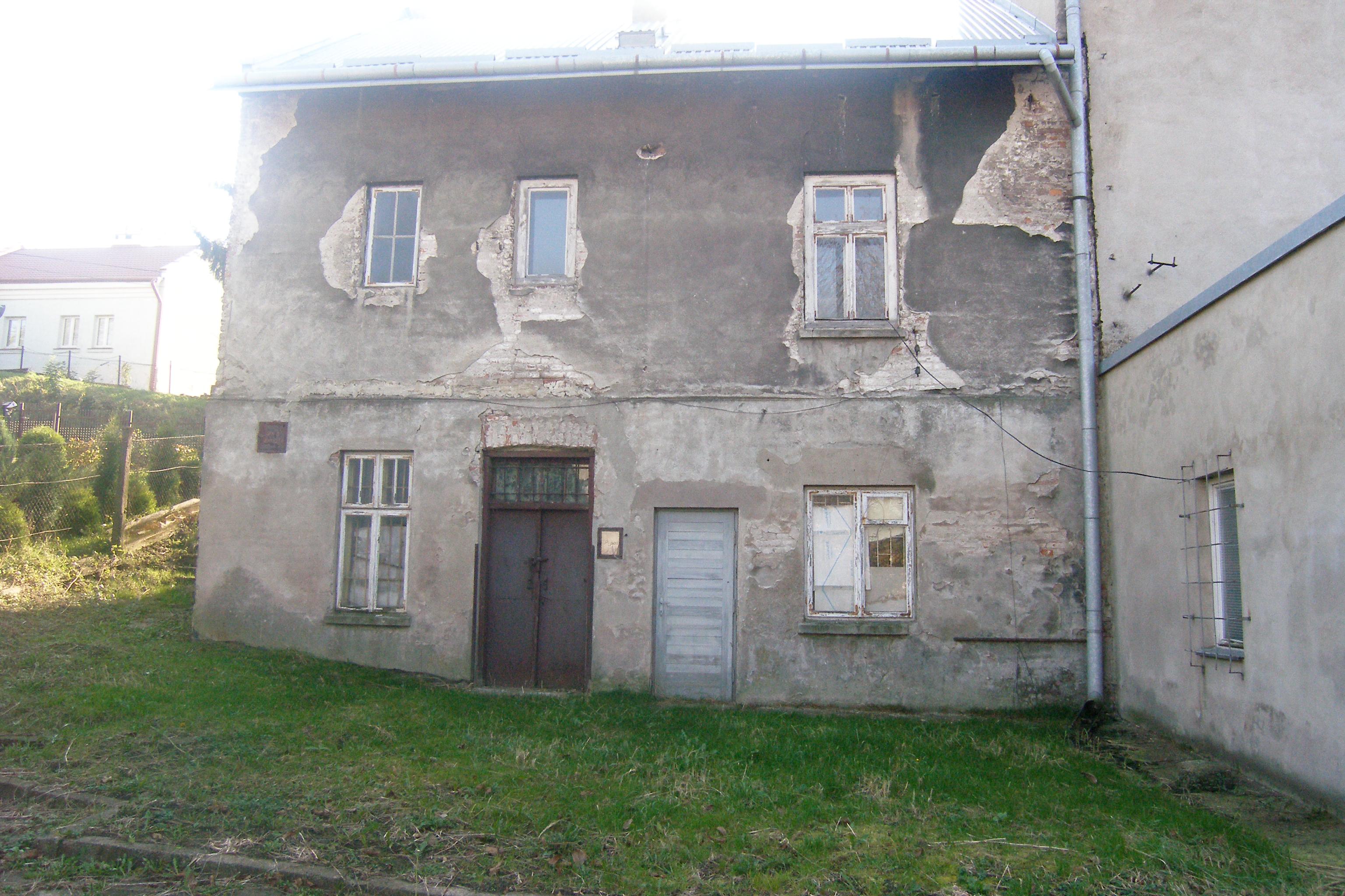 Budynek mieszkalny – z tyłu
